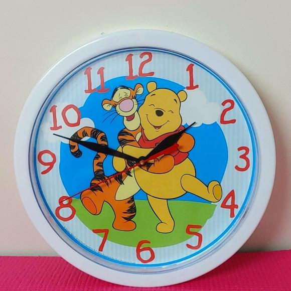 2/$40🏵Disney Winnie the Pooh & Tigger Wall Clock